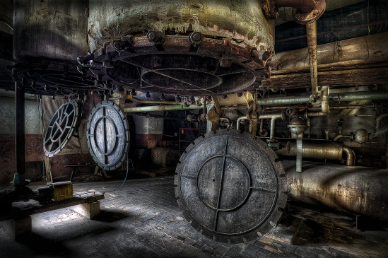 1766 Im Inneren der Maschine
